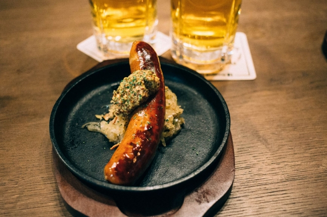 シュマッツ名物 プリップリの香ばしいドイツソーセージ