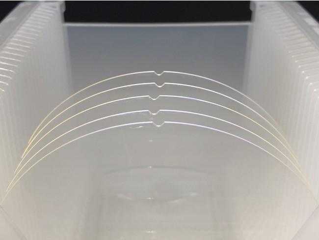 ウェイブガイドに使用するガラスウェハ