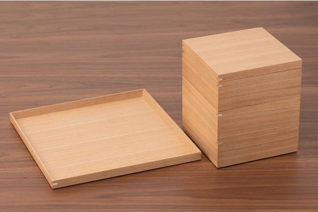 今回のプロジェクトでは、越前漆器の技術を使い、今のライフスタイルに合わせたトレー&お重箱を製作
