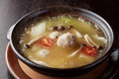 鶏なんこつ団子と野菜のコラーゲンスープ煮込み