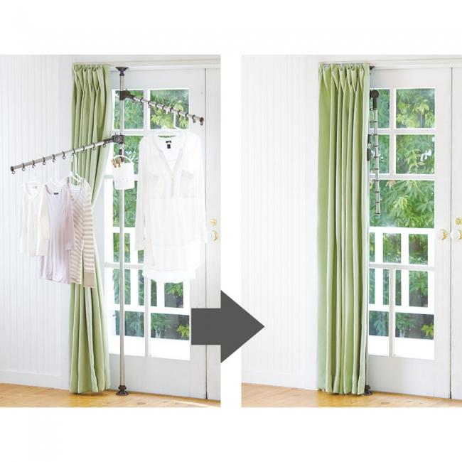 <設置例>窓際に設置し、使用したあとは、アームを倒せばカーテンで本体を隠せます