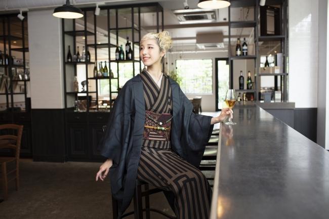 ●源氏香ストライプ~伝統文様の源氏香をストライプのようにデザインし、モダンに生まれ変わりました。
