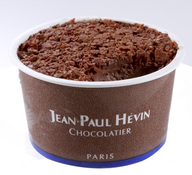 グラス オ ショコラ JPH クルスティヤントゥ(570円〈税込〉) ビターチョコレートと焦がしバターでコーティングしたフィヤンティーヌと濃厚なビターチョコレートアイスを組合せました