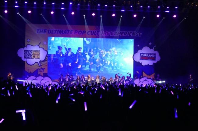 BNK48のTIF in BANGKOKでのステージ