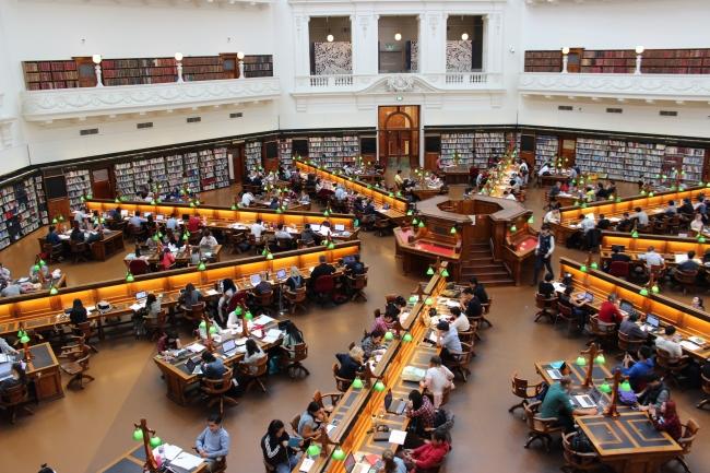 図書館サービスも電子書籍の時代へ