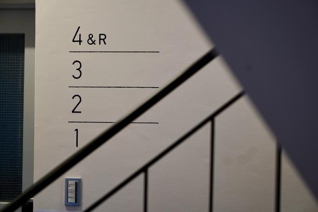 階段室のサイン計画