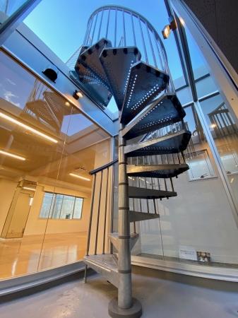 新設した屋上への階段