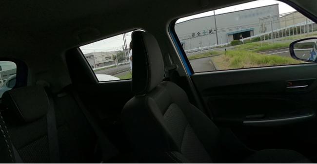 運転席から左後方を確認