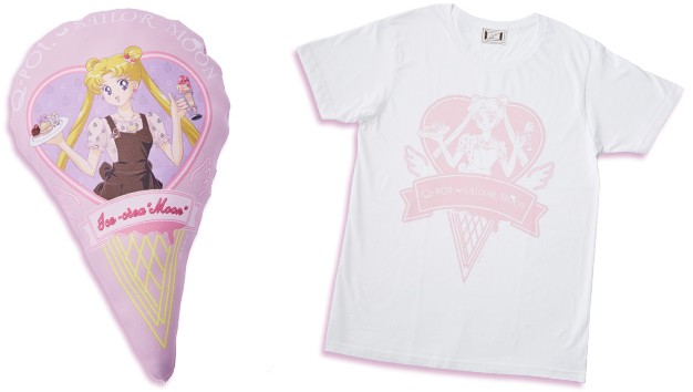 左)ミニクッション、右)Tシャツ