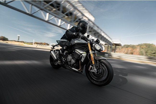新型Speed Triple 1200 RS