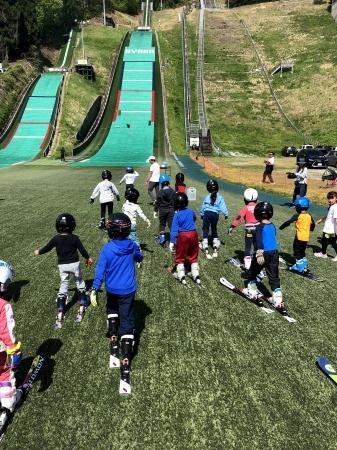 昨年のスキージャンプ体験会の様子