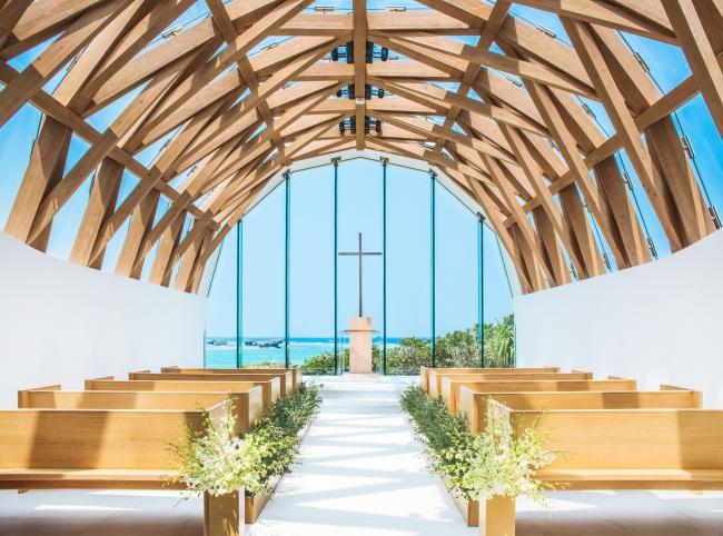 瀬良垣島教会 (C)アールイズ・ウエディング