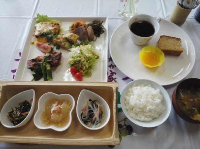森の中の分校レストラン昼食(イメージ)
