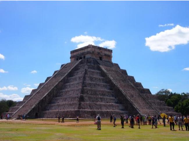 メキシコ古代文明(イメージ)・チチェン・イッツァ遺跡