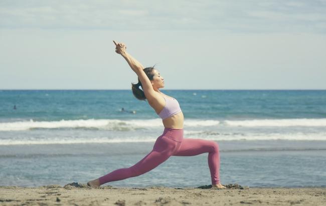 Yogaインストラクター《エドワーズ壽里》