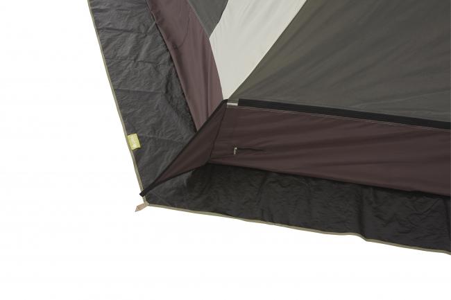 テントの下に敷くだけで、汚れや傷を軽減。 地面からの浸水や湿気を遮断する素材を採用。 冬場や湿気の多い季節でも快適なテント泊を実現。