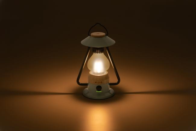 温もりのある暖色ライトで、インテリアとして、おうちでの使用にも最適。