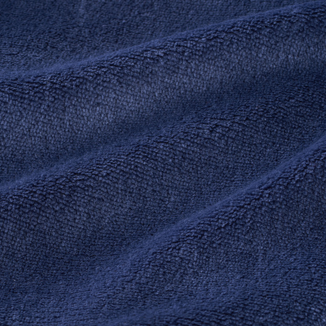 こだわりの素材で、気持ちのいい 肌触りと高い保温性、軽量化を実現。
