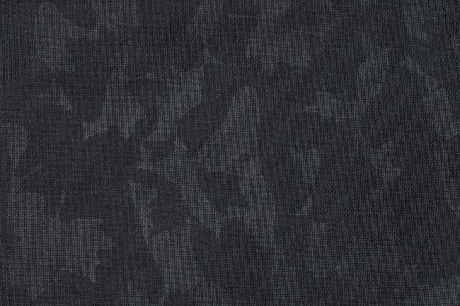 ブラックカモ柄をあしらった クールなデザイン。