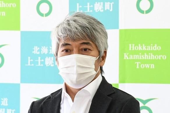 挨拶するエアロネクスト代表取締役CEO田路圭輔