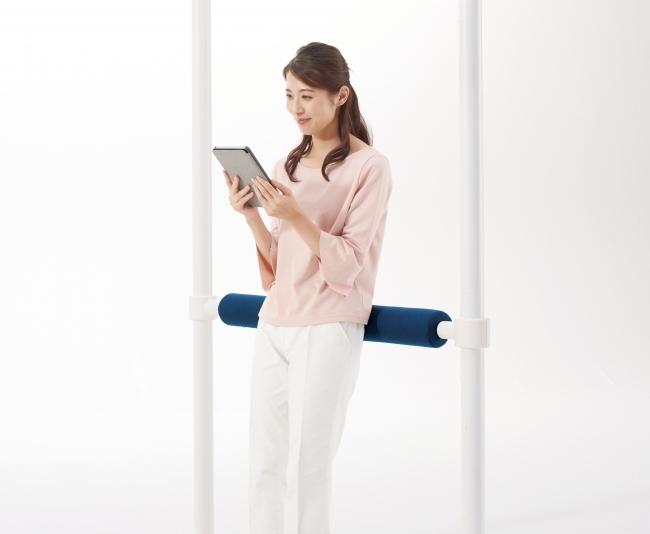 【ポールクッション】立ちミーティングの姿勢にバリエーションを増やします。