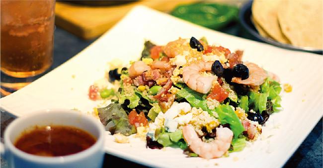 シュリンプメキシカンコブサラダ