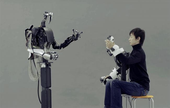 写真1:MELTIN開発のアバターロボット コンセプトモデル:MELTANT-α
