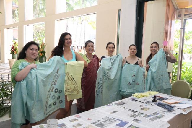 ハワイ伝統の模様について意味を学び布にプリントするワークショップ