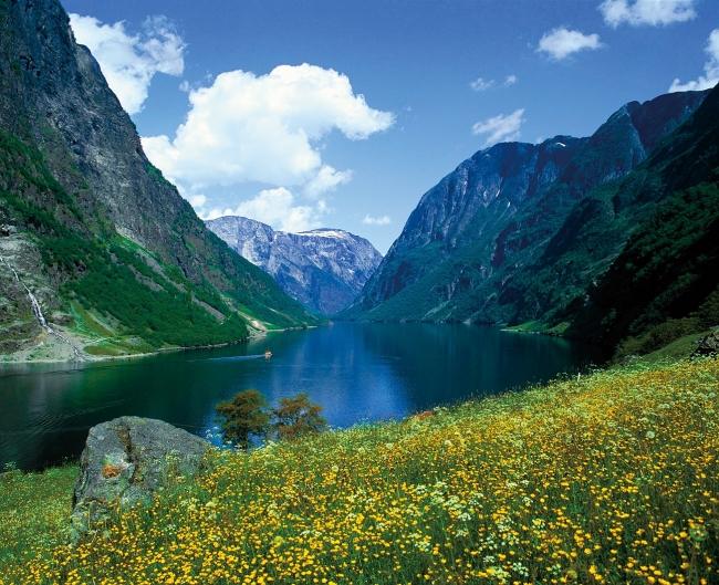 ネーロフィヨルド(C)Frithjof_Fure 写真提供:ノルウェー政府観光局