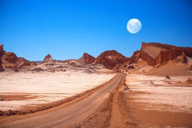 アタカマ砂漠(月の谷)