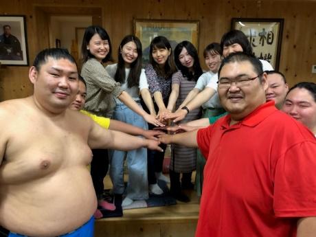 跡見学園女子大学「スー女」と木瀬部屋力士