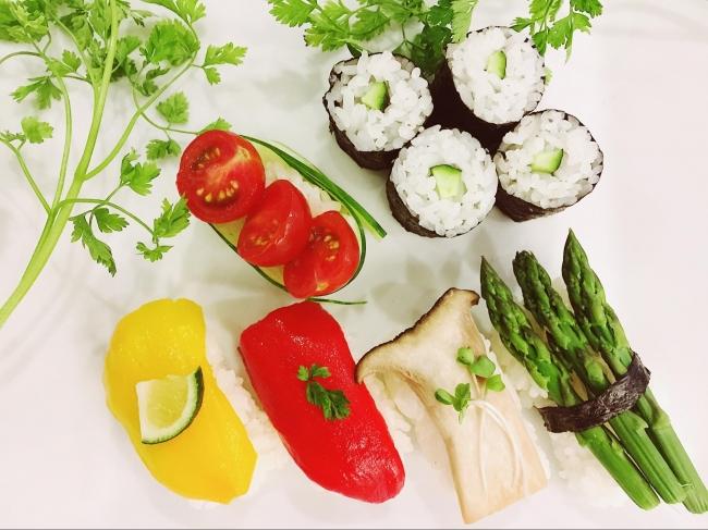 豆腐料理やベジタリアン向けの寿司、ベジタブルラーメンなど、日本全国のホストが企画したユニークなメニューが掲載されている。