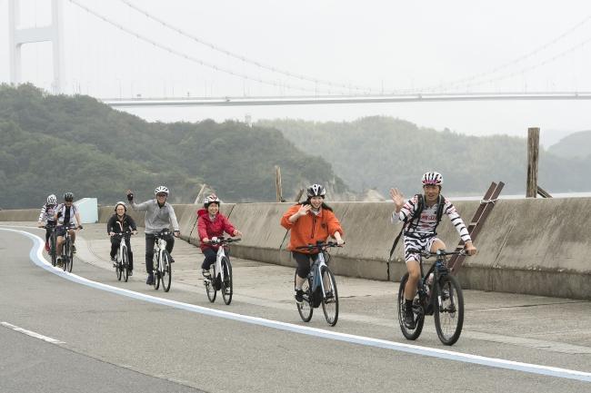 E-BIKEで大島をサイクリング