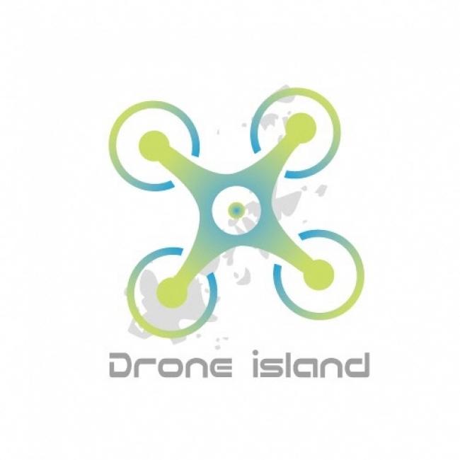 ドローンと五島列島を描いたDrone Islandロゴ