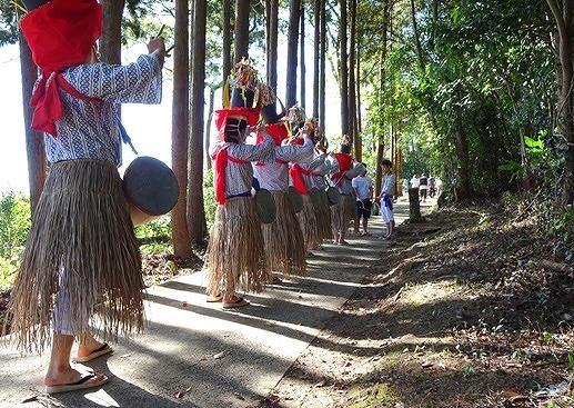 島の伝統的な念仏踊り「チャンココ」