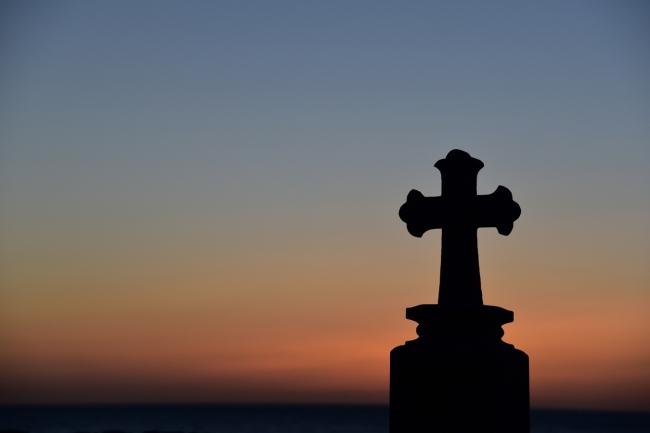 渕ノ元カトリック墓碑群の夕やけ