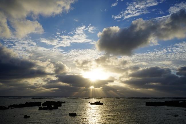 宿の前の海(夕暮れ)