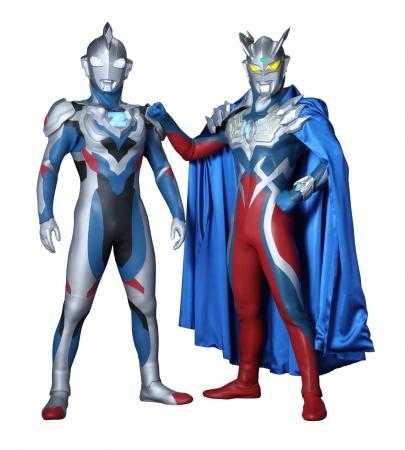 ウルトラマンゼット(左)、ウルトラマンゼロ(右)