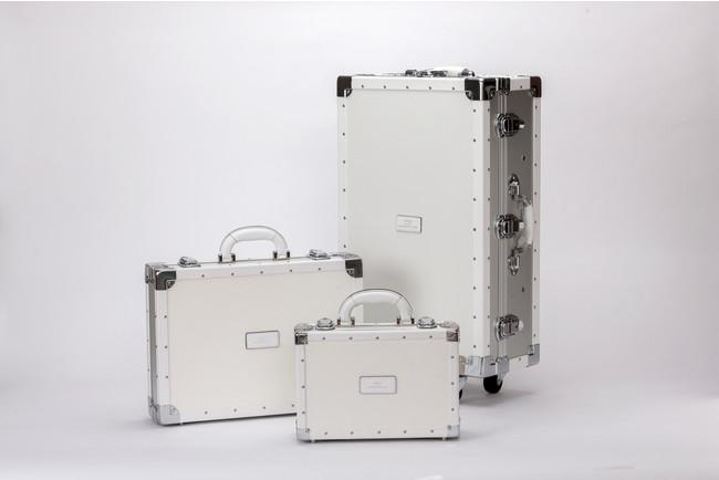 [左から時計回りに] DURALMIN CASE STANDARD、既存モデルDURALUMIN CASE、DURARUMIN CASE MINI