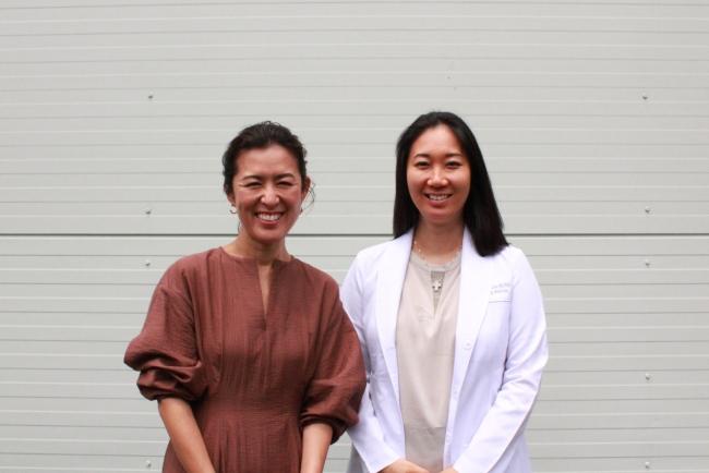 大草直子氏(左)と浜中聡子氏(右)