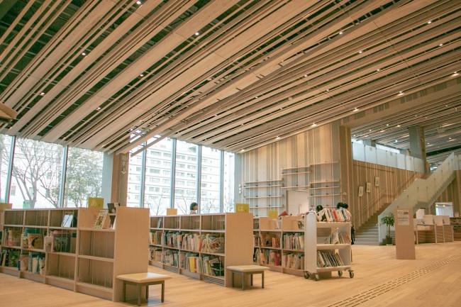 リニューアルOPENした守山市立図書館/設計:隈研吾建築都市設計事務所