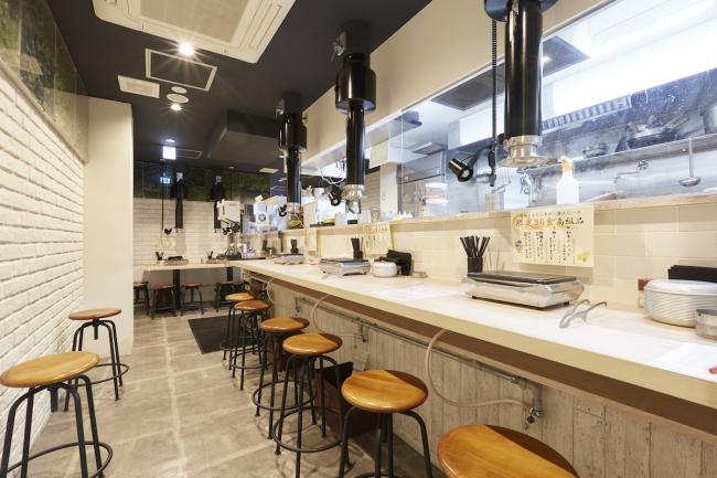 「焼肉酒家 李苑 歌舞伎町店」女性でも!一人でも!入りやすいオシャレな店内!カウンター席もあります!