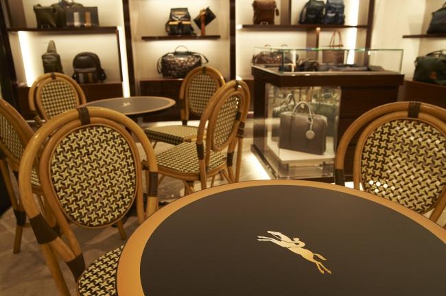 "ac9479ccf046 ロンシャン ラ メゾン 表参道 オープン1周年 ""CAFE DE LONGCHAMP"" IN ..."