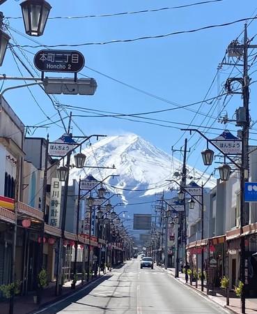 富士吉田市本町通り 商店街