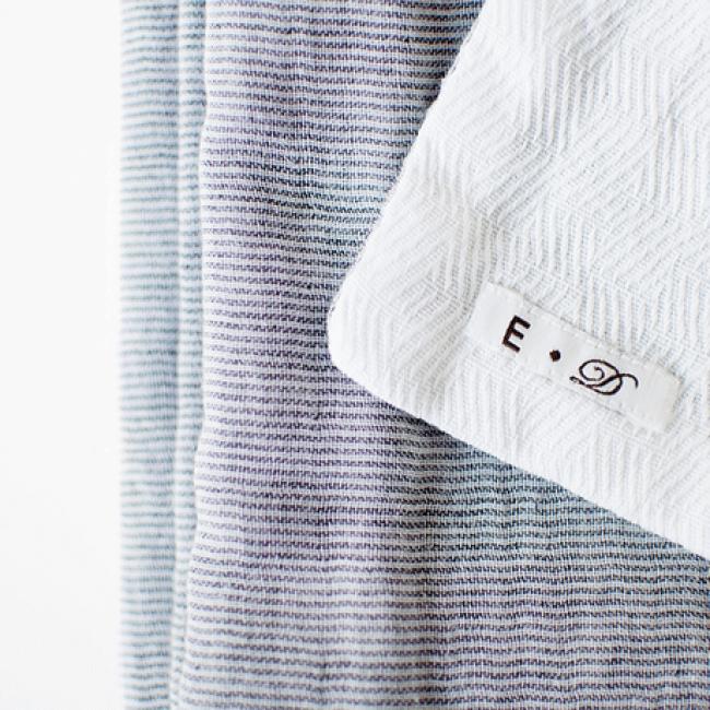 使うほどに肌に馴染む、上質なコットンガーゼを縫い合わせたタオルをプレゼント