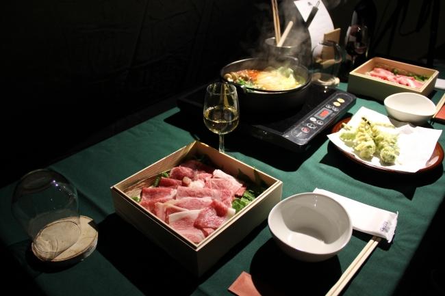 """ディナーのメイン""""信州プレミアム牛のトマトすきしゃぶ鍋"""""""