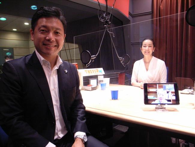 岡田光信さんと番組アシスタント安田佑子