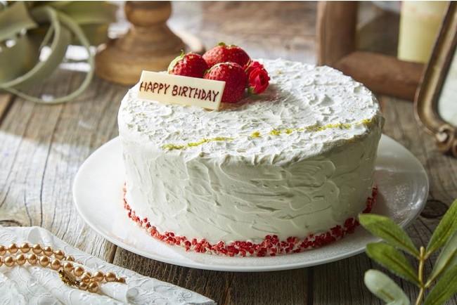 お誕生日や記念日にぴったりなサプライズケーキもお任せください(事前予約制)