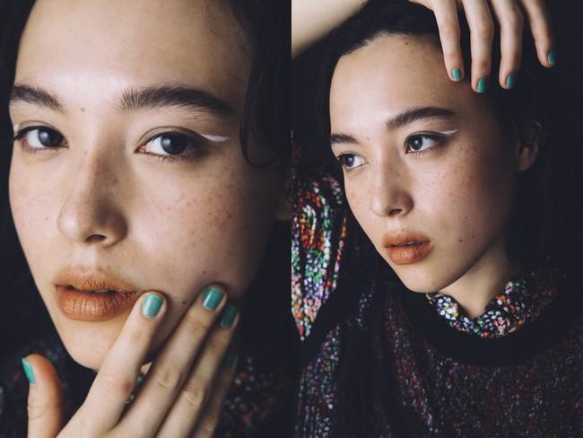 STAFF_PhotoYui Fujii(Roaster) Styling Yui Nakamoto Hair&Make-up Aoi Nagasawa Model MEGUMU トップス/ロレッタ カポーニ(エストネーション)レースノースリーブ/コート(