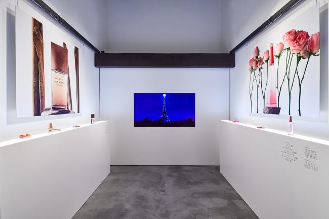KURA展「ROSE&WOOD」内観1